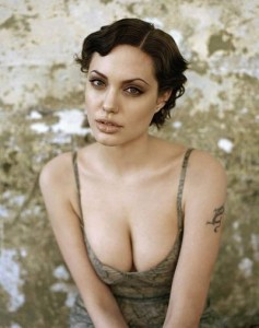 Angelina Jolie tetanalisis 05