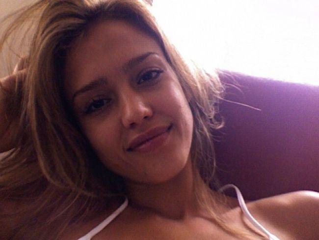 Jessica ALba leaked pictures 01