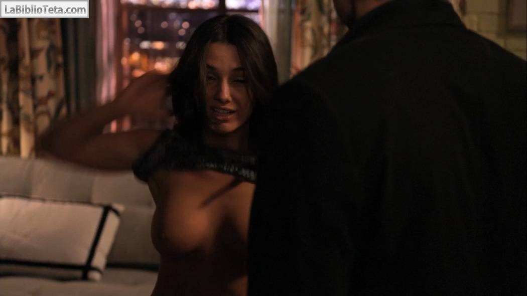 Addison collin escenas desnudas californication