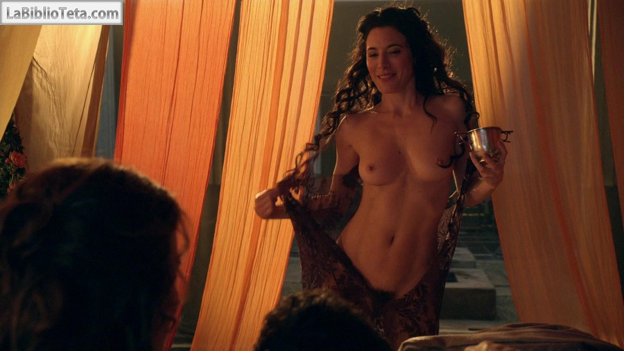 Jaime Murray Y Lucy Lawless Desnudas En Spartacus Gods Of The Arena