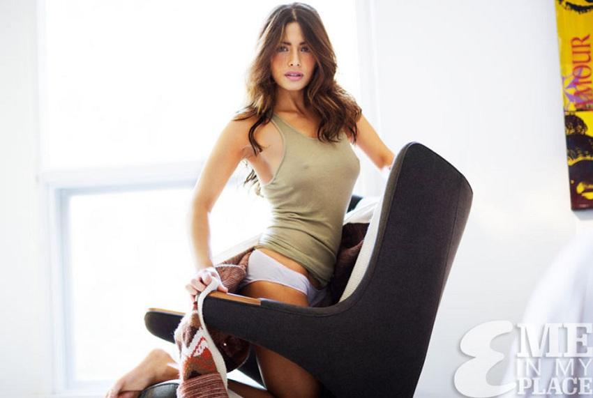 Sarah Shahi - Esquire 01