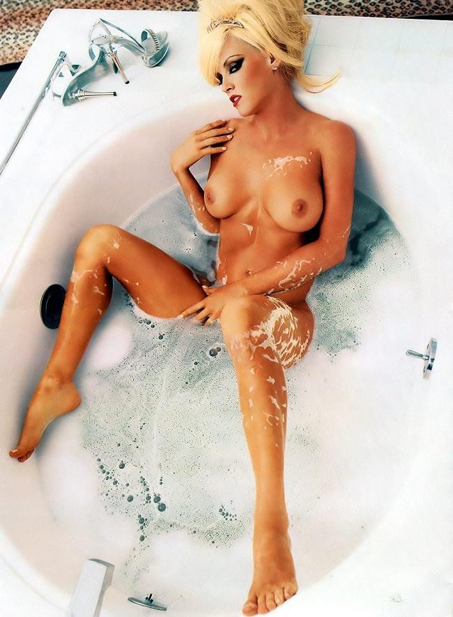 Jenny mccarthy escenas de desnudos