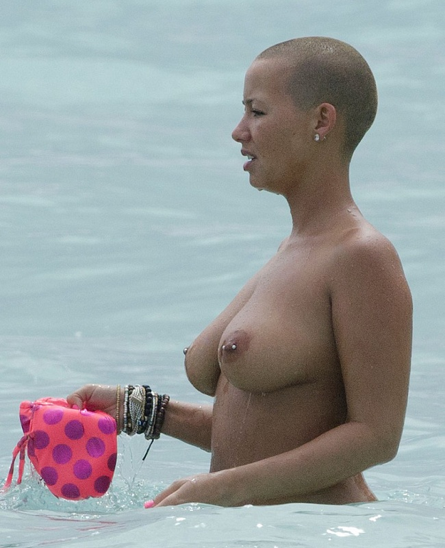 Amber Rose topless 01