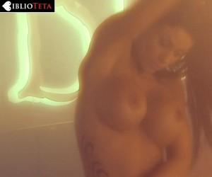 Tatiana-Delgado-striptease-03