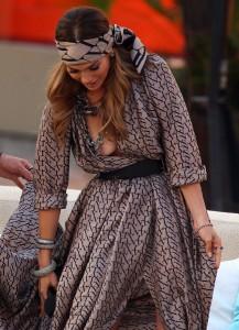 Jennifer Lopez nipple slip 03