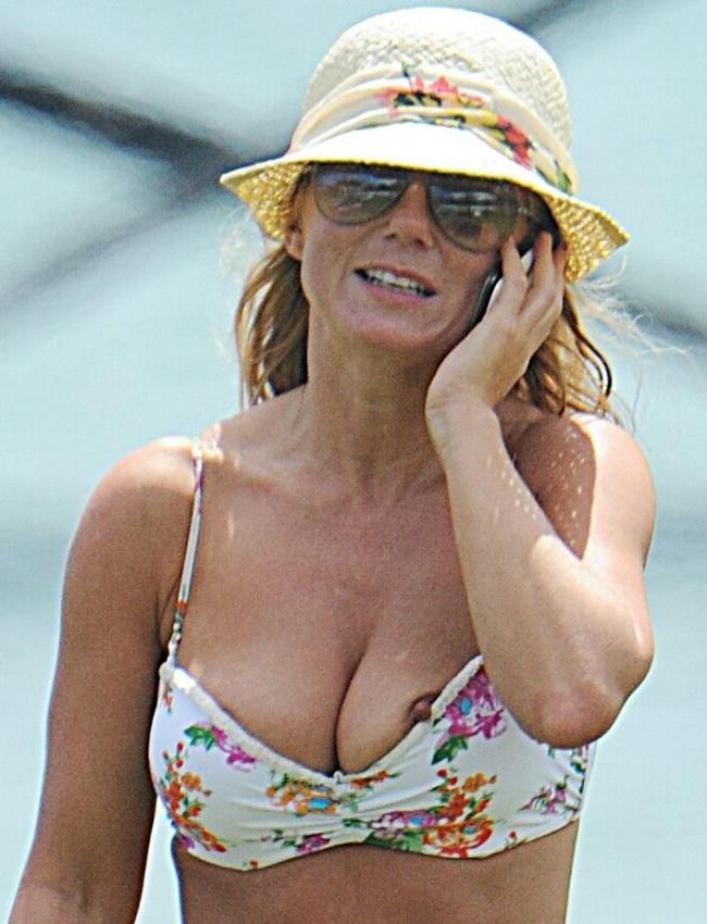 Geri Halliwell nipple slip 01