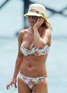 Geri Halliwell nipple slip 03