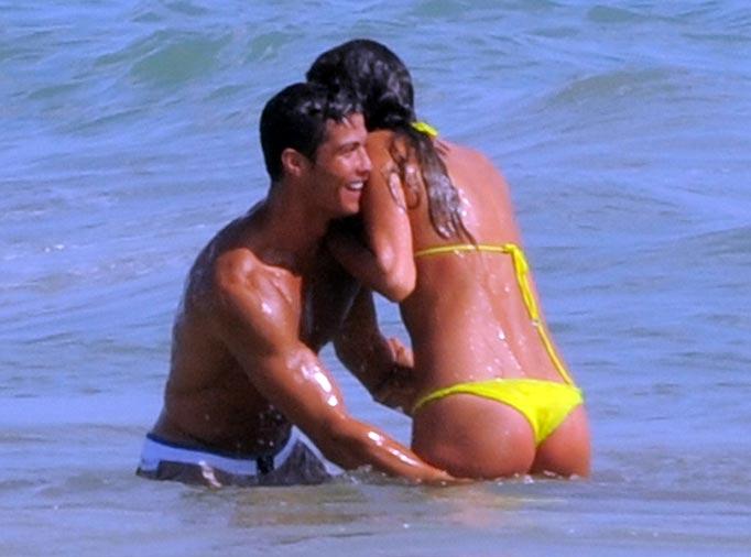 Irina Shayk bikini -Cristiano Ronaldo 01