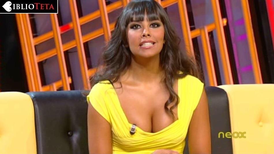 Cristina Pedroche escote amarillo 01