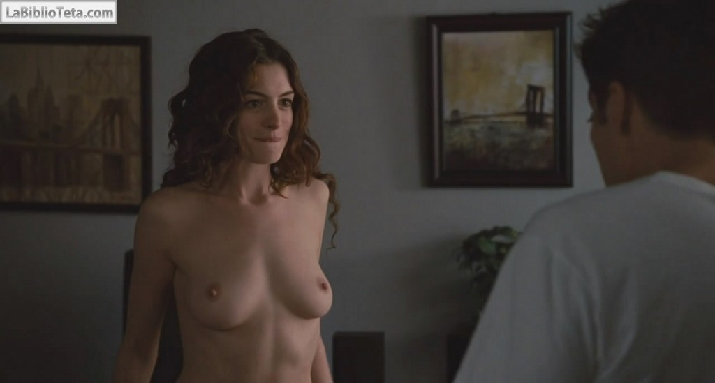 Anne Hathaway - Love and Other Drugs 01