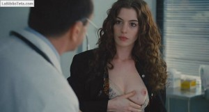 Anne Hathaway - Love and Other Drugs 05