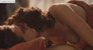 Anne Hathaway - Love and Other Drugs 12