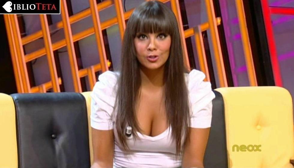 Cristina Pedroche escote blanco 01