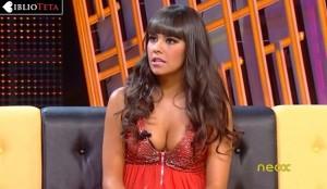 Cristina Pedroche sujetador asomando 06