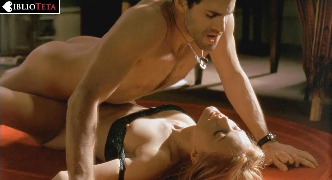 Heather graham escena desnuda chica de rodillos