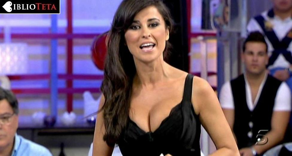 Ines Molina escote negro 01