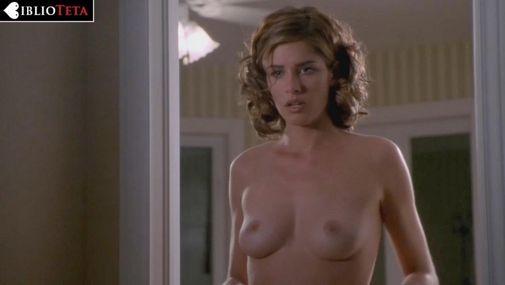 Amanda Peet - The Whole Nine Yards 01