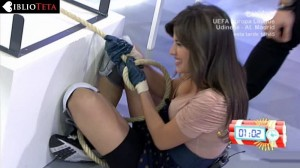 Ares Teixido cleavage 02