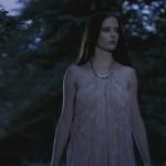 Eva Green - Camelot 1x02 - 01