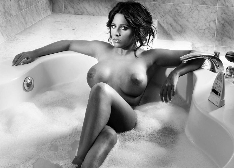 Jennifer Ortiz desnuda