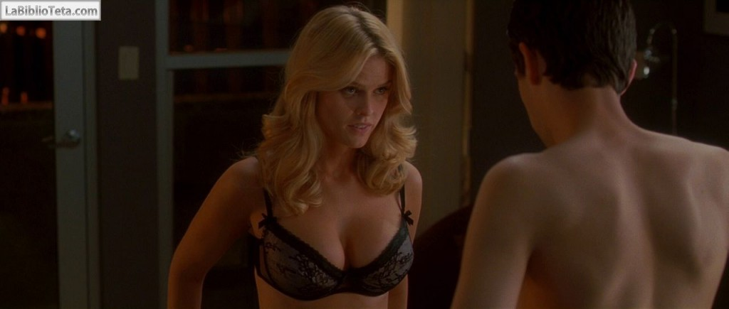 Alice Eve - She is Out of My League 01