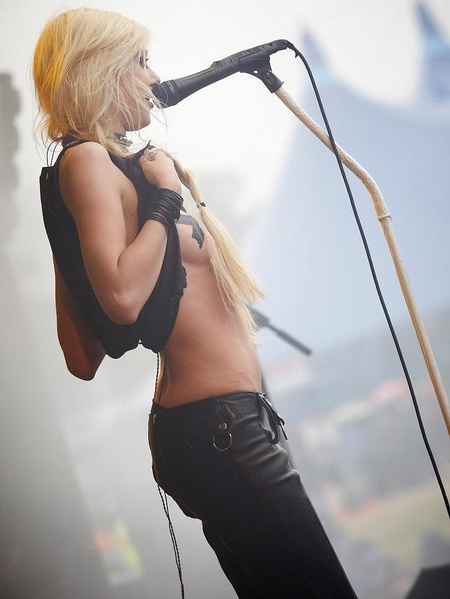 Taylor-Momsen-01