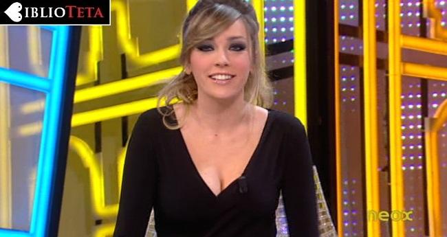 Anna Simon escote negro 01