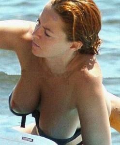 Carolina Ferre topless 01