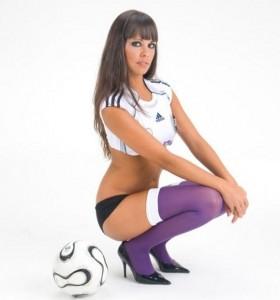 Cristina Pedroche FHM Liga 02