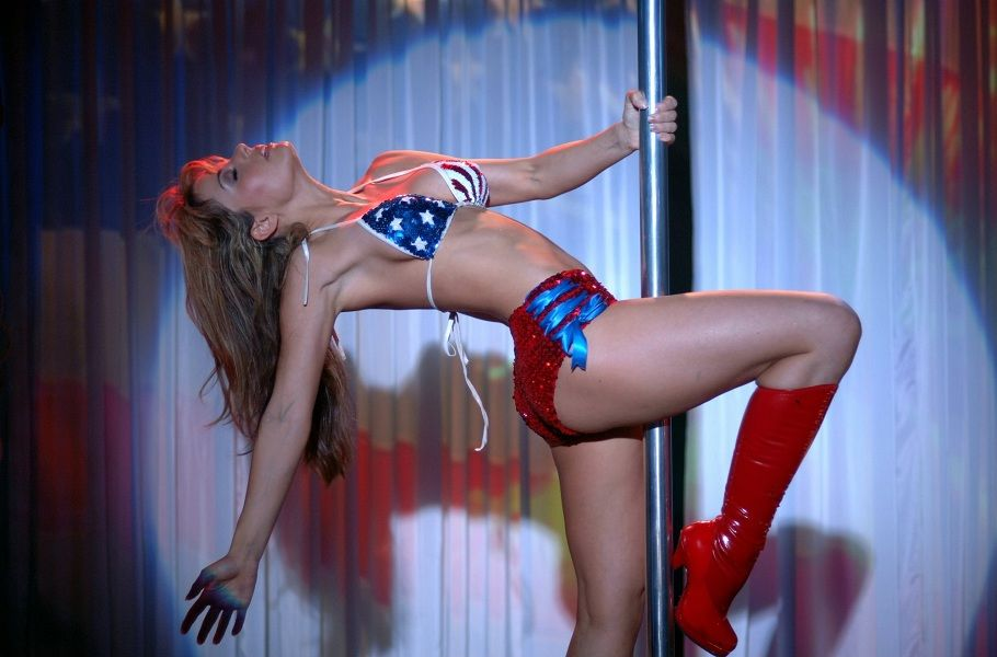 Erica Durance - Smallville 01