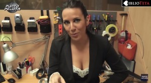 Irene Junquera escote videoblog 03