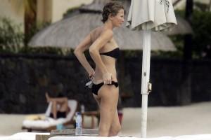 Karen Mulder - Mauritius topless 08