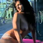 Laura Campos desnuda en el making-of de su posado para Interviú