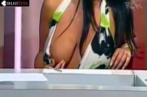 Marika Fruscio nipple slip 07