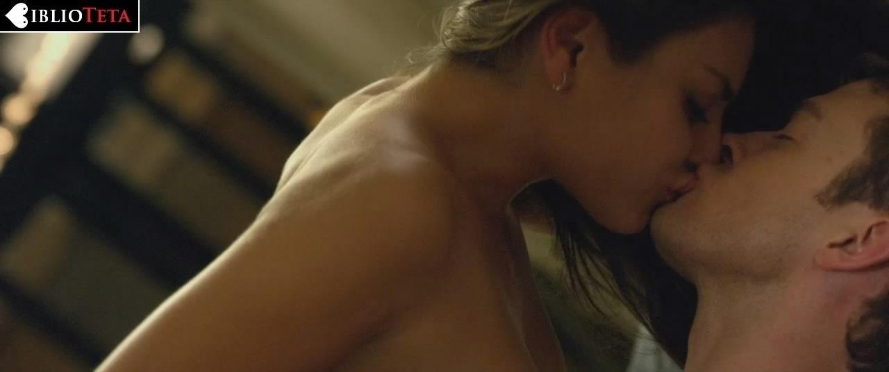 Mila Kunis Desnuda - Fotos Hot de Mila Kunis