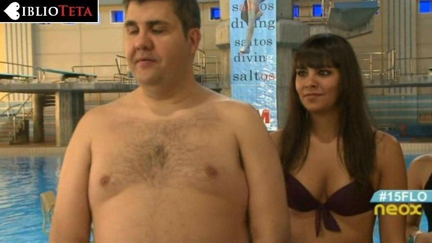 Cristina Pedroche bikini Movida 01