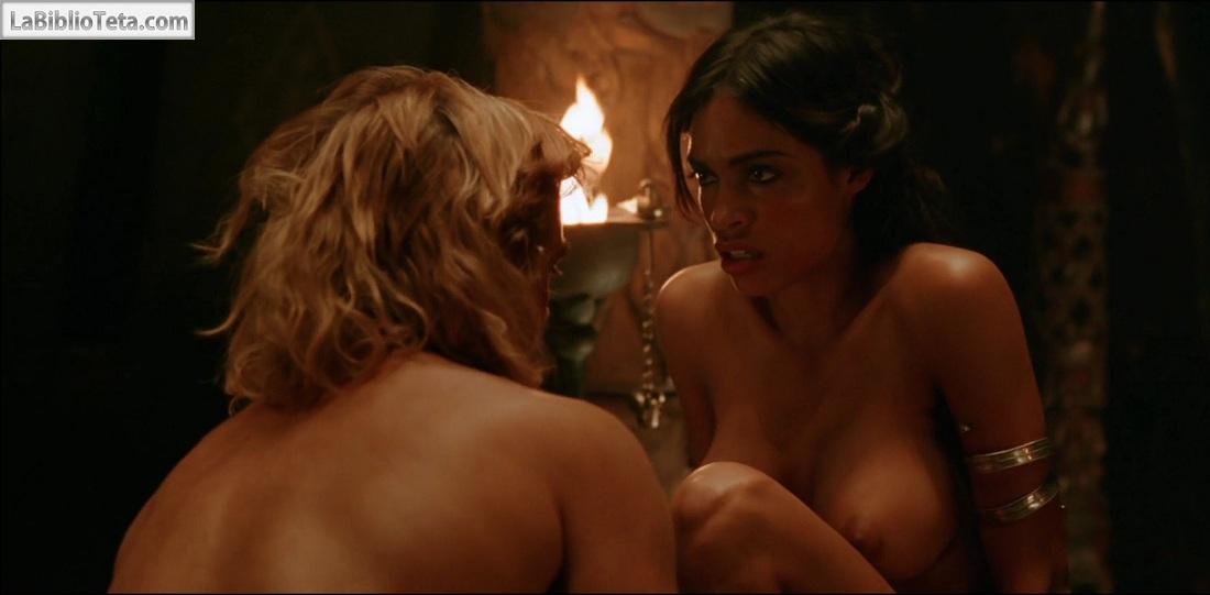 Rosario Dawson escenas de desnudos ANCENSORED