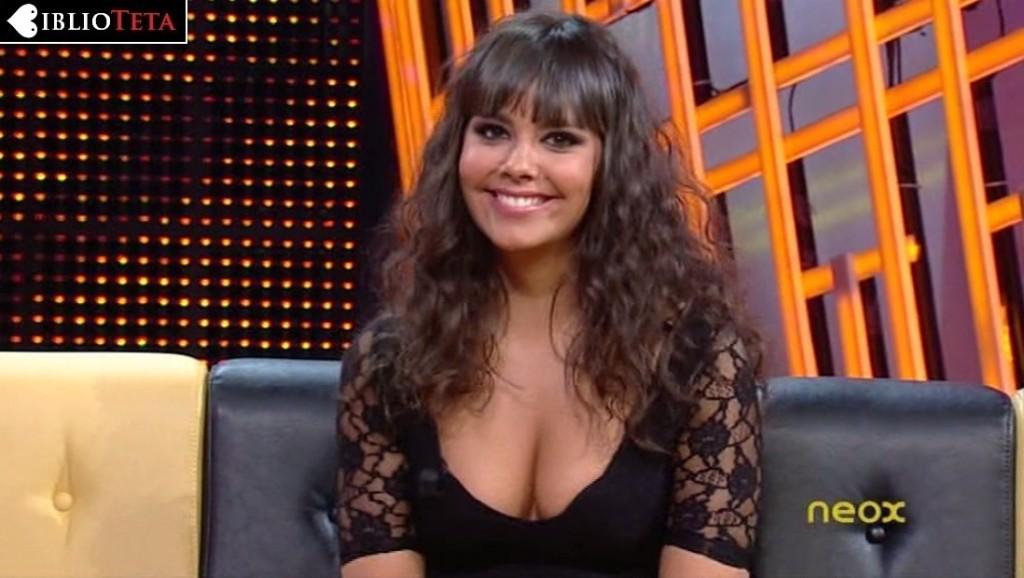 Cristina Pedroche escotazo negro 01