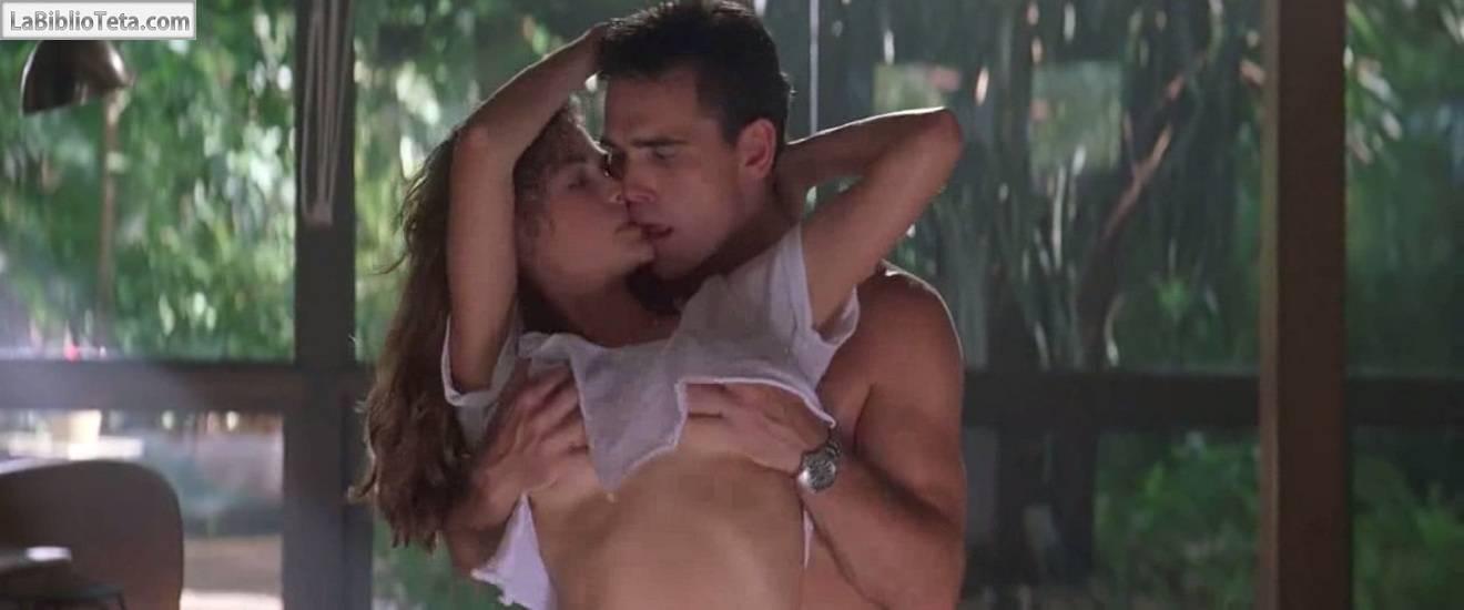 Denise Richards Desnuda En Juegos Salvajes 1998