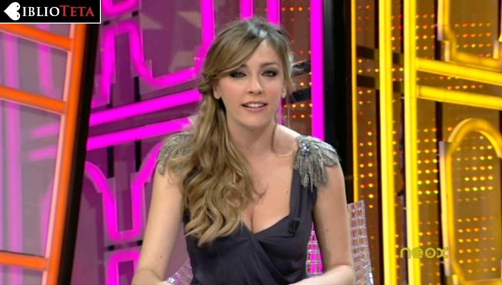 Anna Simon hombreras 01