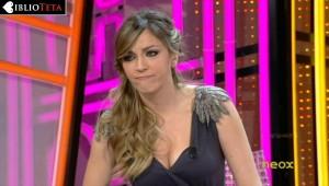 Anna Simon hombreras 02