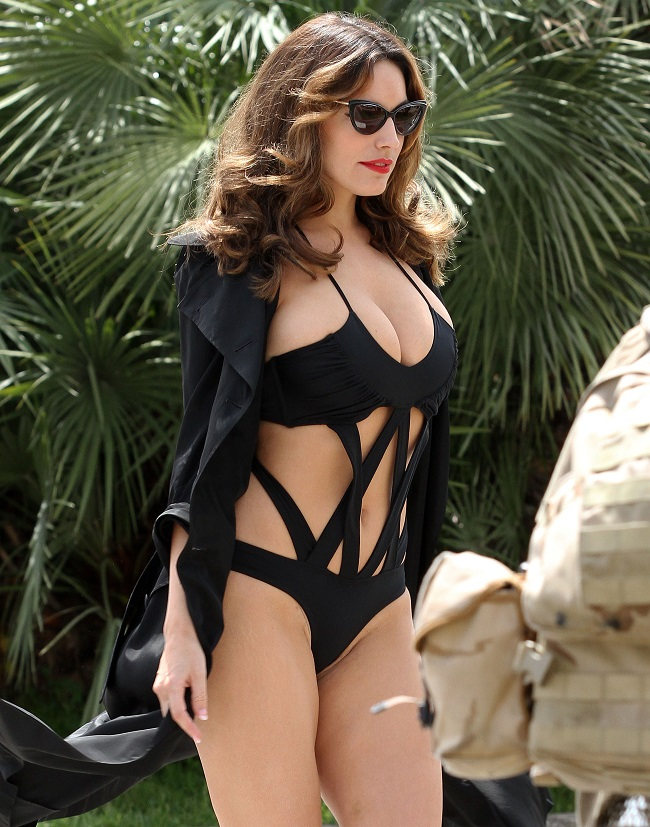 Kelly Brook - Cannes