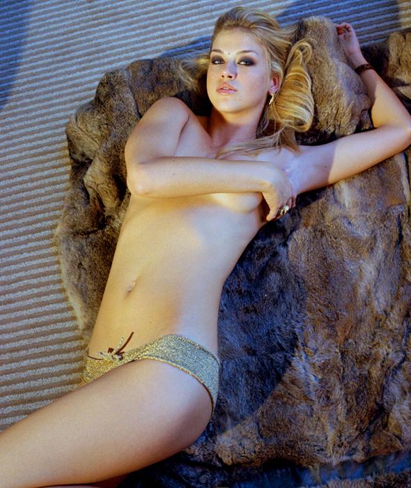 Adrianne Palicki Desnuda Posando Para Complex Magazine