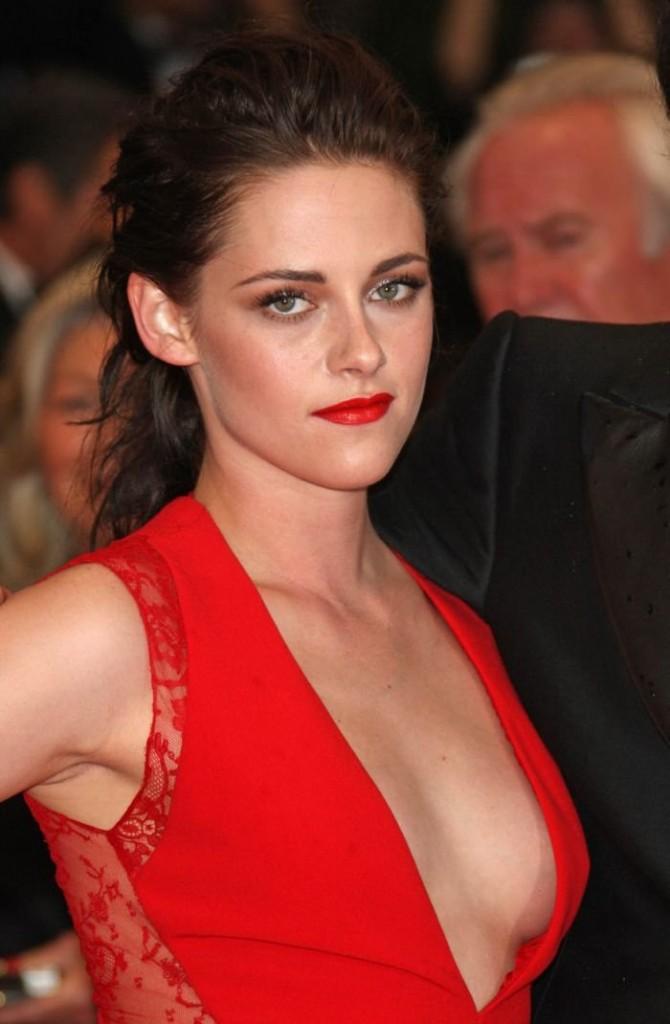 Kristen Stewart nipple slip cannes 00