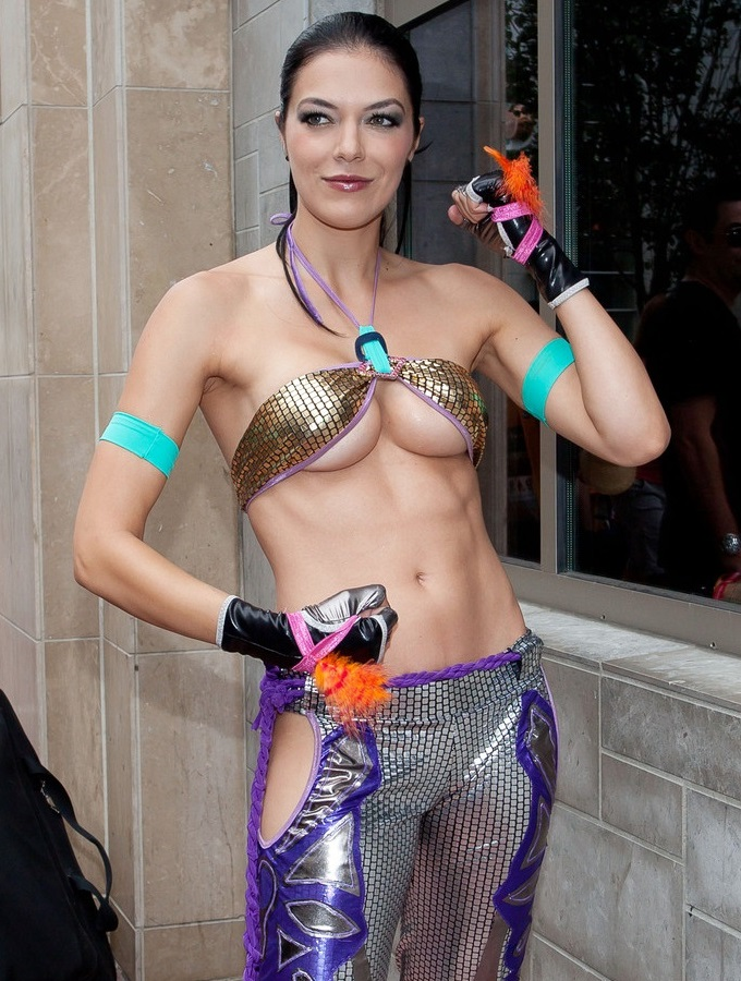 Adrianne Curry - Tekken