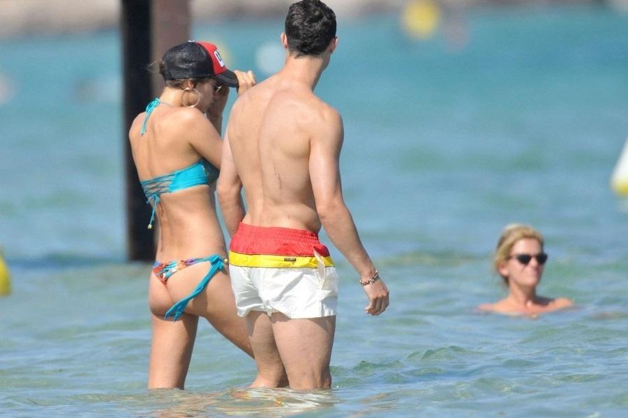 Irina Shayk bikini Cristiano Ronaldo