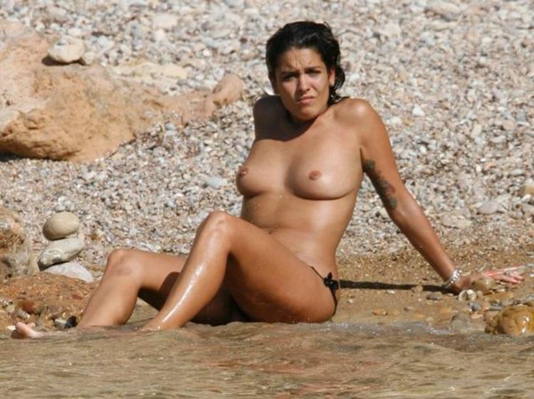 Lorena Castell topless Ibiza 01