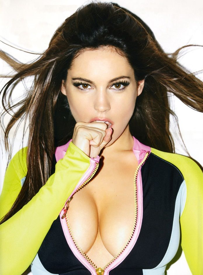 Kelly Brook calendar 2013