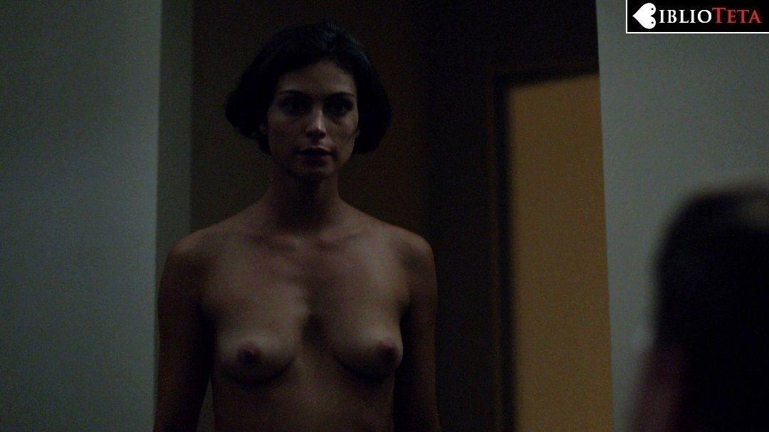morena desnudo