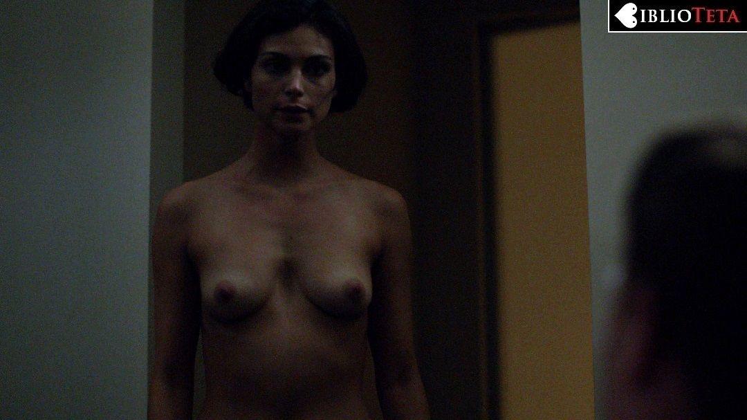 Melanie Lynskey desnuda en Togetherness - Tetas
